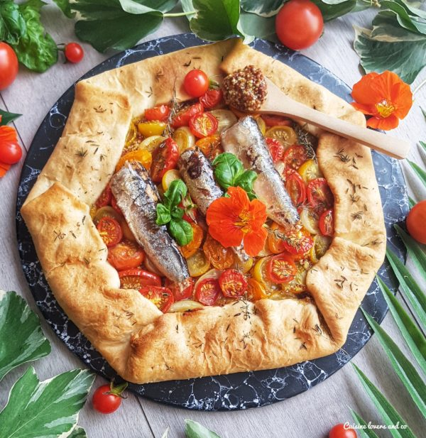 Tarte rustique tomates cerises, sardines et moutarde à l'ancienne