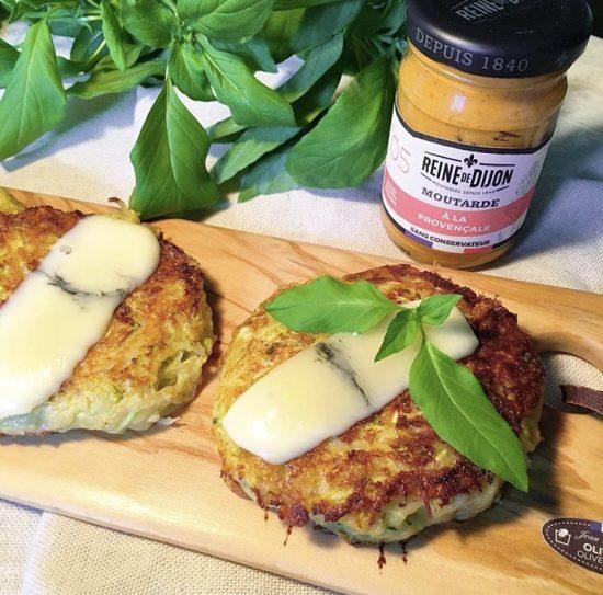Galettes de courgettes à la moutarde provençale et au morbier
