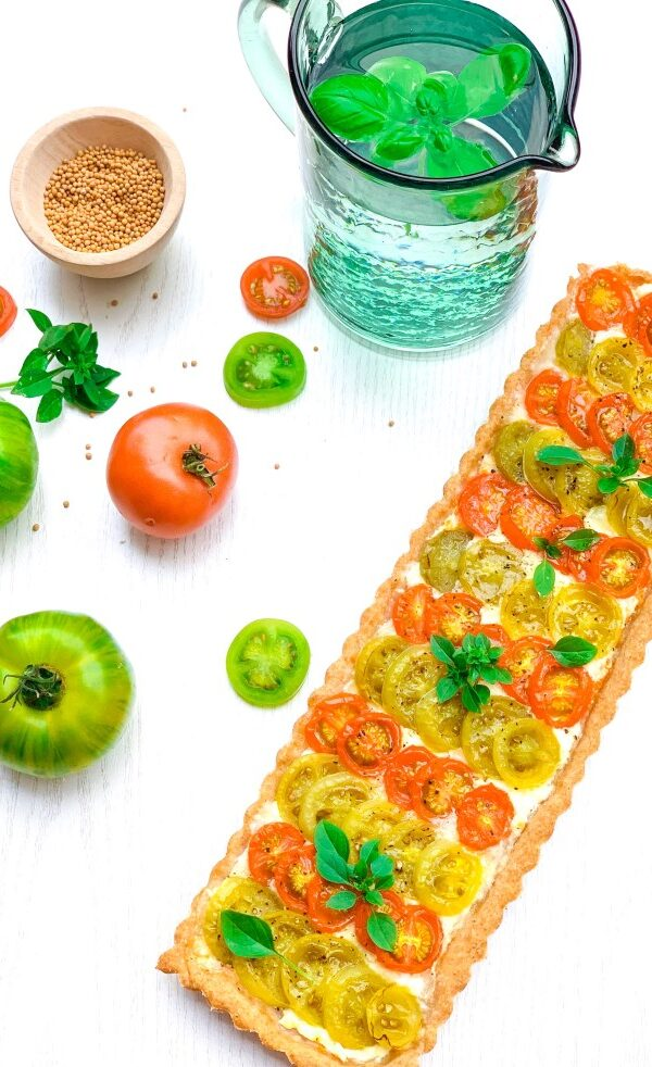 Tomato tart with Espelette pepper mustard